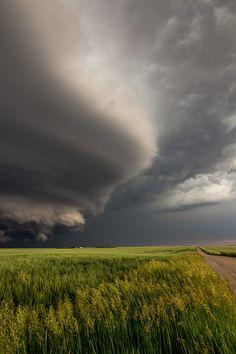 Tornado warned supercell . Colorado