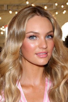 Want blonde hair like Candace Swanepoel? Then choose our Malibu Blonde hair extensions