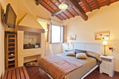 Wohnung in Rom, Italien. Our apartment 'a suite of 25 sqm. a few steps from Campo de Fiori, Ponte Sisto, Piazza Trilussa, Piazza Navona is situated in a building of 1600, the third and last floor, very bright and quiet, the structure can 'hold n 2 persons, suite' was rece...