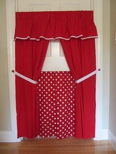 DIY Doorway Puppet Theater - good idea for memorization activity.  Have the kids take turns performing the new grammar for one another.