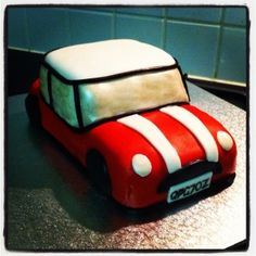 Mini Cooper cake!