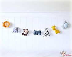 African animal bunting/ banner/ garland - lion, elephant, monkey, rhino, zebra, giraffe, hippo - felt - jungle animals - nursery decor