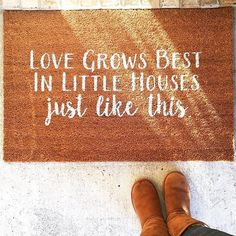 Love Grows Best, In Little Houses Just Like This Girls Apartment, Small Tiny House, Funny Doormats, Lake Cabins, Exterior Remodel, Southern Living, Little Houses, Cozy House, Play Houses