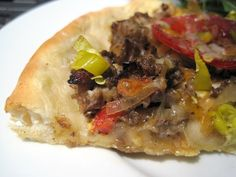 Piece of Philly Cheese Steak Pizza close up Philly Cheese Steak Pizza, Learn To Cook, Cheesesteak, Food Hacks, Great Recipes, A Food, Tacos, Easy Meals, Beef