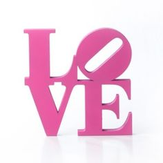 Palabra Love de madera rosa