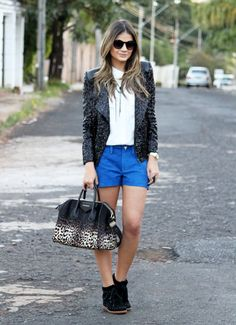 Blue Shorts - Thassia Naves