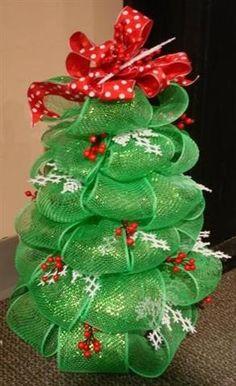 Crafts With Deco Mesh Ribbon | Geo mesh (deco mesh) ribbon tree project | Christmas Tree Crafts
