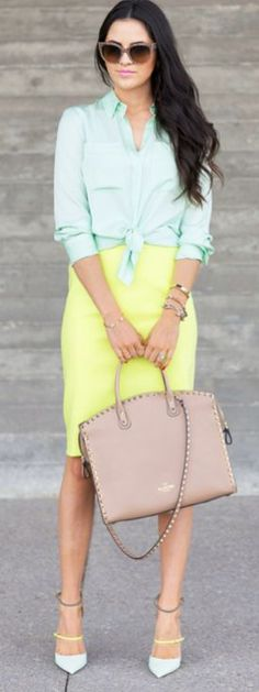 love this outfit paired with my favorite valentino bag!