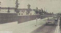 De oprit van de Albert Schweitzerbrug vanaf de Burg. Bruinsslotsingel, vlak na de oplevering in 1977. Links de appartementen aan de Groenoord.