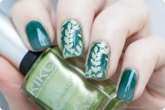 Jungle Leaves Gradient Nailart