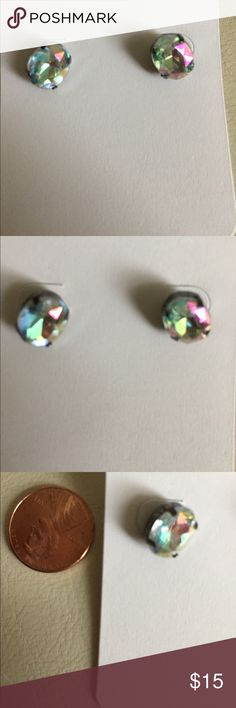 Oval shape stud earrings Oval stud earrings with gunmetal color hardware. Stone color is iridescent. Jewelry Earrings