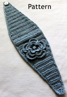 Crochet Headband Blue Hand Crocheted Headband/Earwarmer by micheleweeksboutique Bandeau Crochet, Crochet Flower Headbands, Crochet Headband Pattern, Knitted Headband, Crochet Beanie, Knit Or Crochet, Crochet Crafts, Crochet Flowers, Hand Crochet