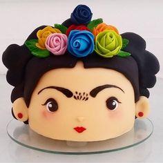 """4,205 curtidas, 159 comentários - Blog Mae Festeira  (@mae_festeira) no Instagram: """"Olha que perfeição esse bolo da frida .  POR @adrianabombocado #maefesteira #mae_festeira"""""""