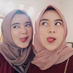 Hijab Chic, Girl Hijab, Cute Relationships, Muslim Fashion, Judo, Aesthetic Girl, Besties, Poker, Couples
