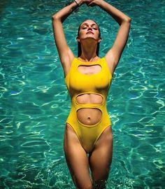 Lindsay Ellingson's Beach Body in The Daily Summer | Skinny VS Curvy