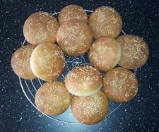 Recette Petits pains américains pour hamburger par Calounettepf - recette de la catégorie Pains & Viennoiseries