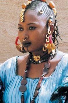 Africa | Portrait of a Fulani/Peul woman.