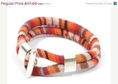 pulsera étnica en tela  pulsera azteca naranja  por CozyDetailz