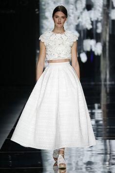 Os mais lindos vestidos de noiva YolanCris 2016: luxo para as noivas Image: 0