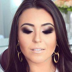 @robertacamposmakeup  _____________________________________  #makeup #anastasiabeverlyhills #maquiagemx #eyeshadow #hudabeauty #inglot #instamakeup #loucaspormaquiagem #lehpequenomakeup #mua #revlon #maquiagem #maquiagembrasil #maquiagembrasill #makeupartist #makeupaddict #makeupartistsbrasil #makeupartistsworldwide #mac #maccosmetics #marykay #nyx #pausaparafeminices #universodamaquiagem_oficial #urbandecay #vegas_nay #smokeyeye #smokeyeyes #bridalmakeup #queroessamaquiagem