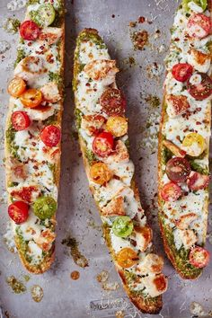 Recipe: French Bread Pesto Chicken Pizza — Quick and Easy Weeknight Dinner Recipes Loading. Recipe: French Bread Pesto Chicken Pizza — Quick and Easy Weeknight Dinner Recipes Chicken Pizza Recipes, Pesto Chicken, Rotisserie Chicken, Fried Chicken, Healthy Chicken Recipes, French Bread Pizza, Tasty, Yummy Food, Summer Recipes