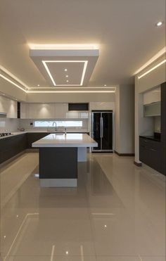 Designing a modern kitchen area? Be influenced by this selection of contemporary kitchen areas to choose the very best coatings, products and accessories for your new room House Ceiling Design, Ceiling Design Living Room, Kitchen Room Design, Luxury Kitchen Design, Home Decor Kitchen, Modern House Design, Interior Design Kitchen, Decorating Kitchen, Kitchen Ceiling Design