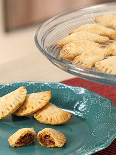 Our holiday Warm-Spice Sausage Empanadas are perfect holiday appetizers. Warm and crusty, these are the perfect finger food for your Christmas party. Sweet Italian sausage, green bell pepper, tomato and warming spices tuck into an easy pre-made pie crust for a quick, easy and fancy hors d'oeuvre. Get all the ingredients for this delicious recipe at Walmart.
