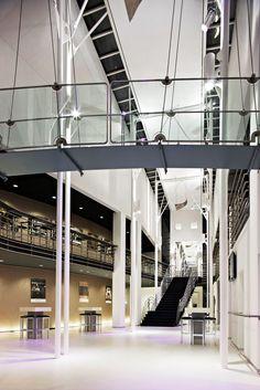 UPGRADING THEATRE DE LEEST by M+R interior architecture as interior architect