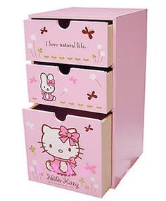 View source image Sanrio Hello Kitty, Hello Kitty Haus, Hello Kitty Nursery, Hello Kitty Rooms, Hello Kitty Birthday, Hello Kitty Decor, Wooden Drawers, Wooden Boxes, Hello Kitty Zimmer