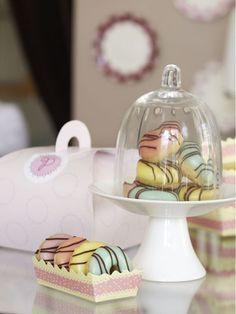 Mini Cinnamon Doughnuts * http://www.youandyourwedding.co.uk/planning/cakes/peggy-porschen-boutique-baking-recipes/5072-3.html#historysub