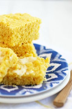 The best and most delicious vegan cornbread recipe. So moist and tender, just perfect for serving with soup or chili!