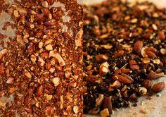 PROTEINRIG MÜESLI MED RØDE LINSER  Fra iForm: MYSLI MED QUINOA Ingredienser (10 portioner) 2 dl rød quinoa (120 g) 4 dl vand 60 g hasselnødder 40 g rosiner 40 g græskarkerner ½ tsk. vaniljepulver ½ tsk. kardemomme ⁱ⁄₃ dl agavesirup (45 g)