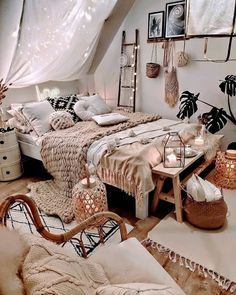 Bohemian Bedroom # Schlafzimmer ID und Bohemian Bedroom # Modernbohemianbedrooms. Bohemian Bedroom # Bedroom ID and Bohemian Bedroom # Modern Bohemianbedrooms . Cute Bedroom Ideas, Room Ideas Bedroom, Bedroom Inspo, Decor For Small Bedroom, Small Bedroom Inspiration, Vintage Bedroom Decor, Girls Bedroom Colors, Bedroom Hacks, Bedroom Décor
