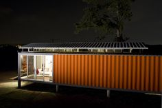 Containers of Hope - San Jose, Costa Rica/Benjamin Garcia Saxe