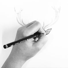 ✨ We're busy working on something Festive this morning... ✨ #BillSkinner #illustration #pencildrawing #Christmas