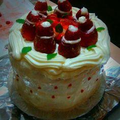 #torta #fresas #menta #trabajo #vainilla Cake, Instagram Posts, Desserts, Food, Vanilla, Mint, Strawberry Fruit, Food Cakes, Tailgate Desserts