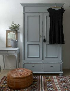 Store Lanthandeln – Large unique and beautiful cabinet SOFT Chalk Paint Wardrobe, Painted Wardrobe, E Room, Small Room Bedroom, Bedroom Decor, Furniture Makeover, Home Furniture, Country Interior, Interior Decorating