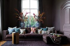 Living Room Furniture Online, Interior Design Living Room, Home Furniture, Living Rooms, Dark Interiors, Interior Photography, Bedroom Sets, Decoration, Interior Inspiration