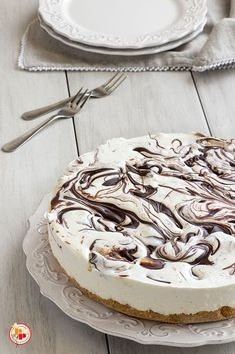 Torta Fredda allo Yogurt e Nutella Nutella Recipes, Coffee Recipes, Cake Recipes, Cheesecake Cupcakes, Sweet Cakes, Frozen Yogurt, Just Desserts, Love Food, Yummy Food