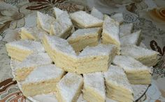 "Retete Culinare - Prajitura ""Alba ca Zapada"" Hungarian Cake, Hungarian Recipes, Sweet Recipes, Cake Recipes, Dessert Recipes, Romanian Food, Cake Cookies, I Foods, Food And Drink"