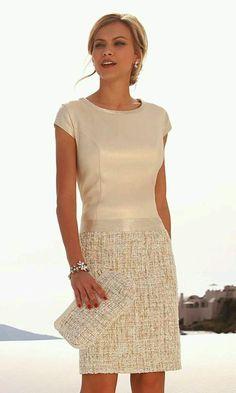 No where to wear it, but like the style Linea Raffaelli SET 109 Light Gold Elegant Dresses, Beautiful Dresses, Mode Pop, Dress Skirt, Dress Up, Look Fashion, Womens Fashion, 80s Fashion, Fashion 2020
