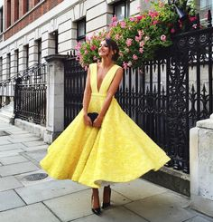 Chic yellow dress.