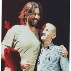 Chester looks like a little kid when he's with Rob