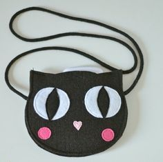 Black Cat Bag Mini blackchildrens bag kids by SewManUniverseMaster Kids Purse, Animal Bag, Felt Purse, Cat Bag, Patchwork Bags, Crochet Handbags, Girls Bags, Felt Crafts, Craft Fairs