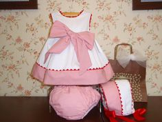 Menudets-moda infantil                                                       … Baby & Toddler Clothing, Toddler Outfits, Baby Outfits, Kids Outfits, Sewing For Kids, Baby Sewing, Baby Dress Patterns, Kids Frocks, Vestidos Vintage