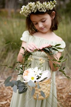 Fabulous flower girl dressed with wild flowers #wedding inspiration #wedding #ringbearers