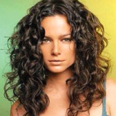 Great Style for curly hair.