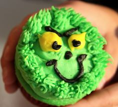 pinterest GRINCH christmas craft ideas | Grinch Cupcakes from Party Cupcake Ideas