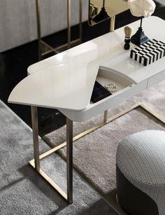Super creative and chic white dresser. Furniture Dressing Table, Table Furniture, Furniture Design, Interior Styling, Interior Decorating, Interior Design, Dresser Table, European Furniture, Coffee Table Design