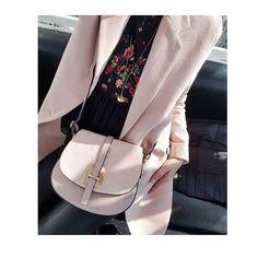 🌸Référence : Elyssa disponible en plusieurs coloris sur notre site internet , porté par la belle @mariecha84🌸 #fashion #fashionpost #fashionweek #fashiongirl #fashionblogger #stylish #styleblogger #styleinspiration #outfit #outlande #outfitoftheday #mode #model #paris #parisian #chic #mylaboutique